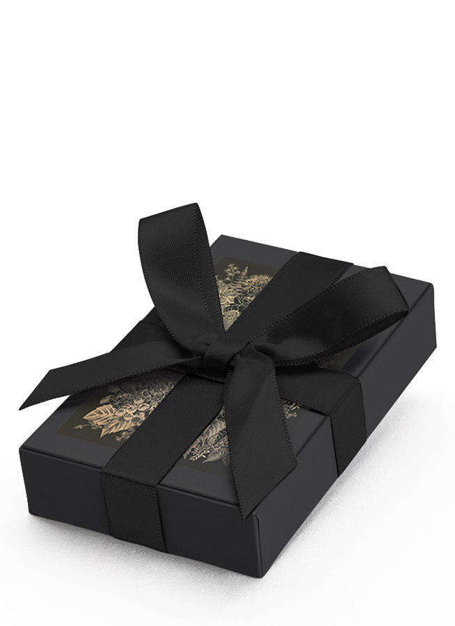 gift packaging with silk ribbon LE PURE